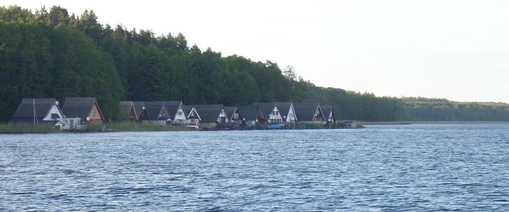 Häuser direkt am See